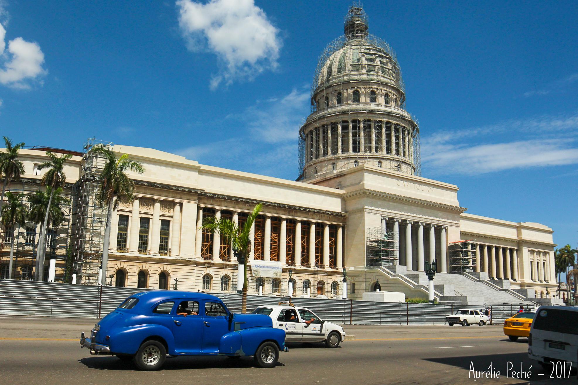 Le départ des tours de la ville se fait devant le Capitole