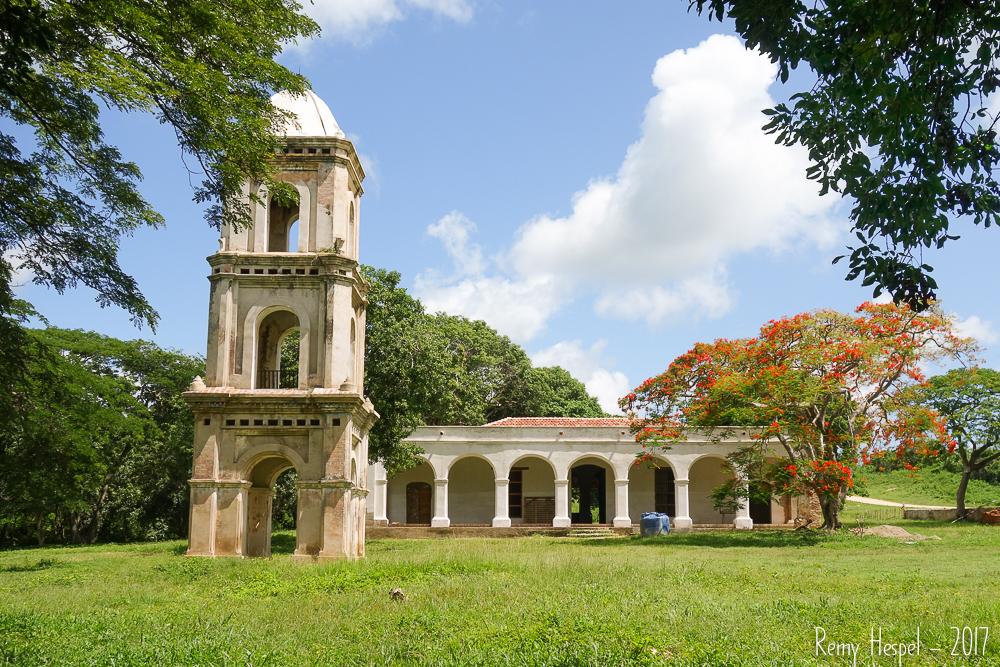 Vue de la tour et de la maison des maîtres