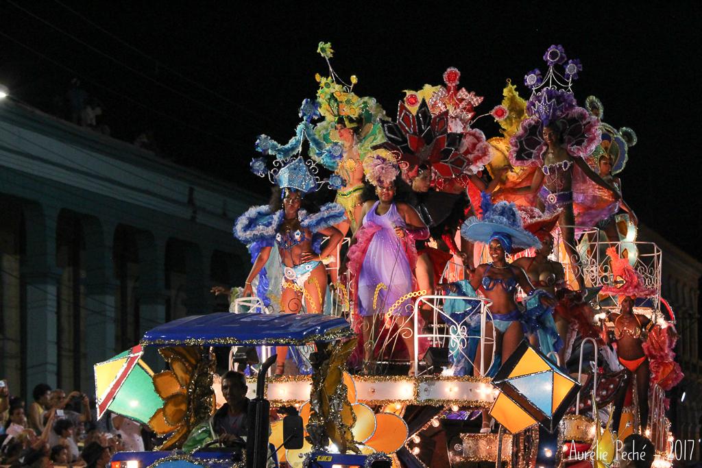 Char au Carnaval de Santiago de Cuba