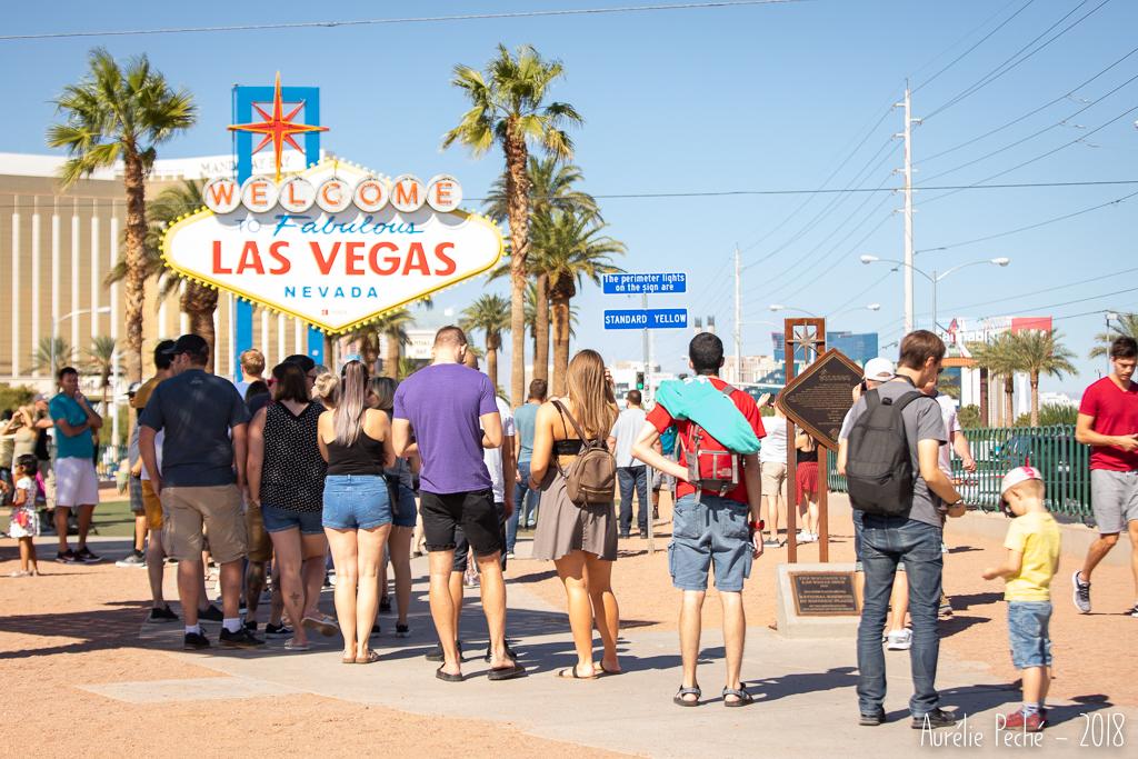 La file devant le signe de Las Vegas