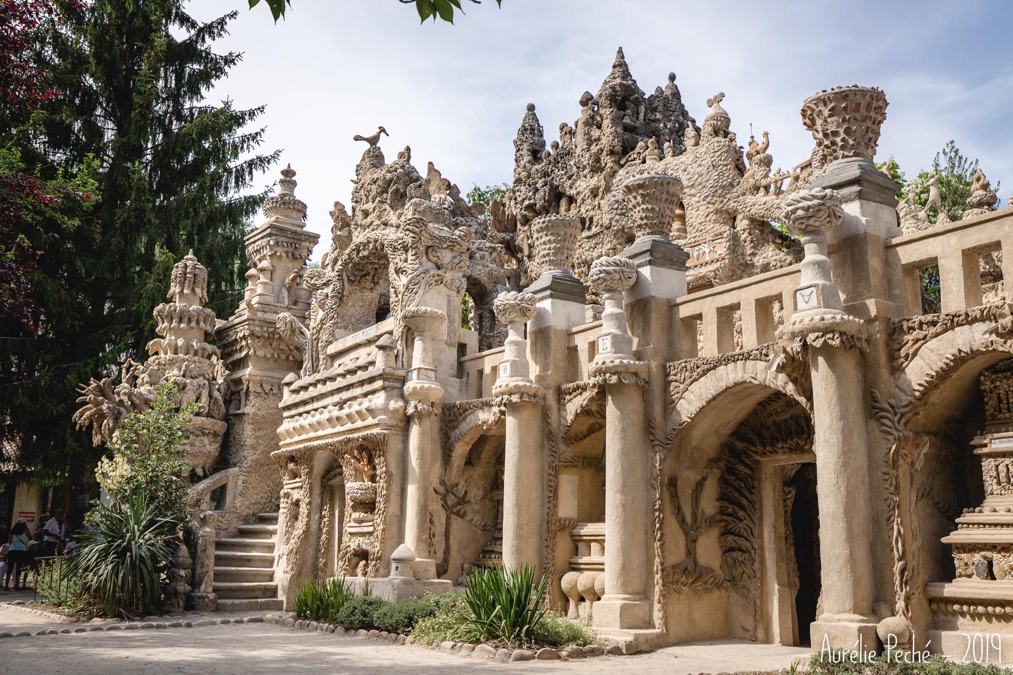 Palais idéal du facteur Cheval